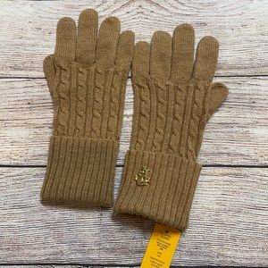 Tory Burch tan cable knit gloves